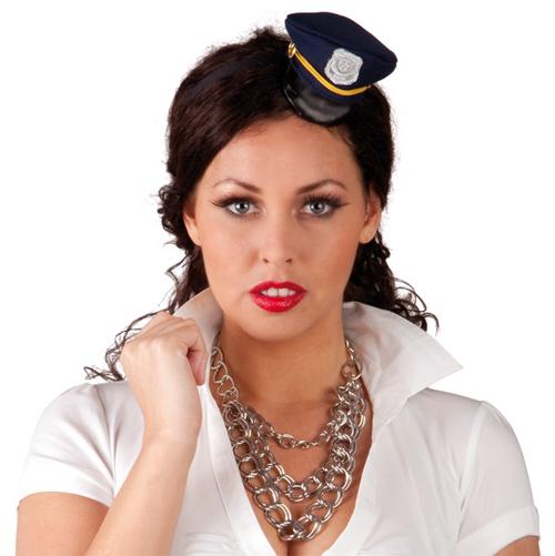 Opaska z<br>policyjnej czapce