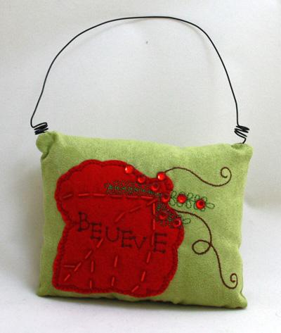 Weihnachtstürschmuck<br> Kissen Blattca<br>13,5x10,5cm
